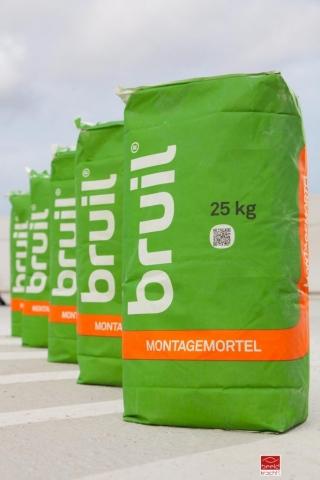 Productfoto van Bruil Montagemortel door Robert Zwart productfotograaf
