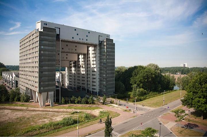 Interierfotograaf en architectuurfotograaf Robert Zwart toont een pand in Utrecht.