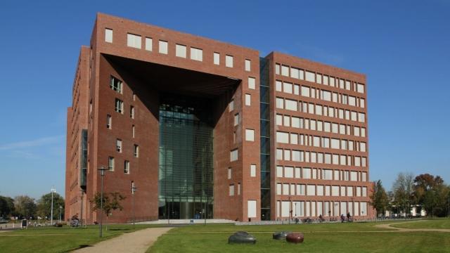 Interierfotograaf en architectuurfotograaf Robert Zwart toont een foto van Wageningen Universiteit.