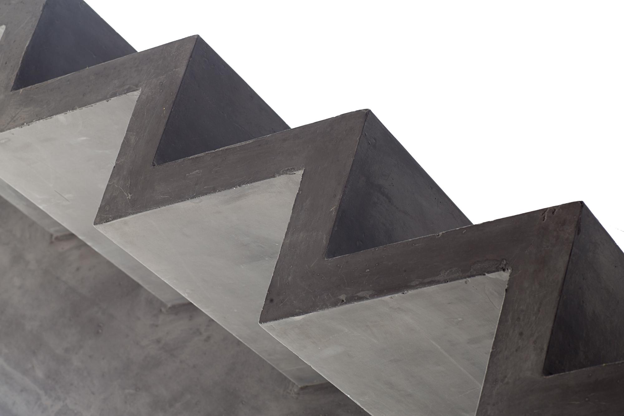 Interierfotograaf en architectuurfotograaf Robert Zwart brengt een trap on beeld van Hi-con.