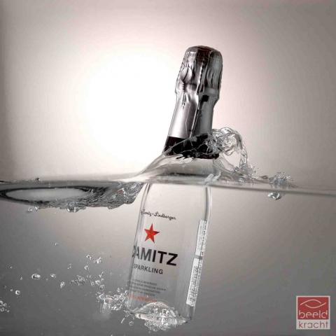 productfoto van camitz sparkling in water door Robert Zwart